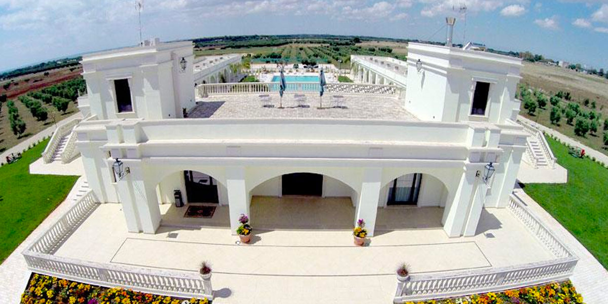 Hotel con piscina in campagna a porto cesareo