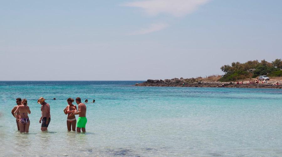 Il mare a punta prosciutto vicino a porto cesareo
